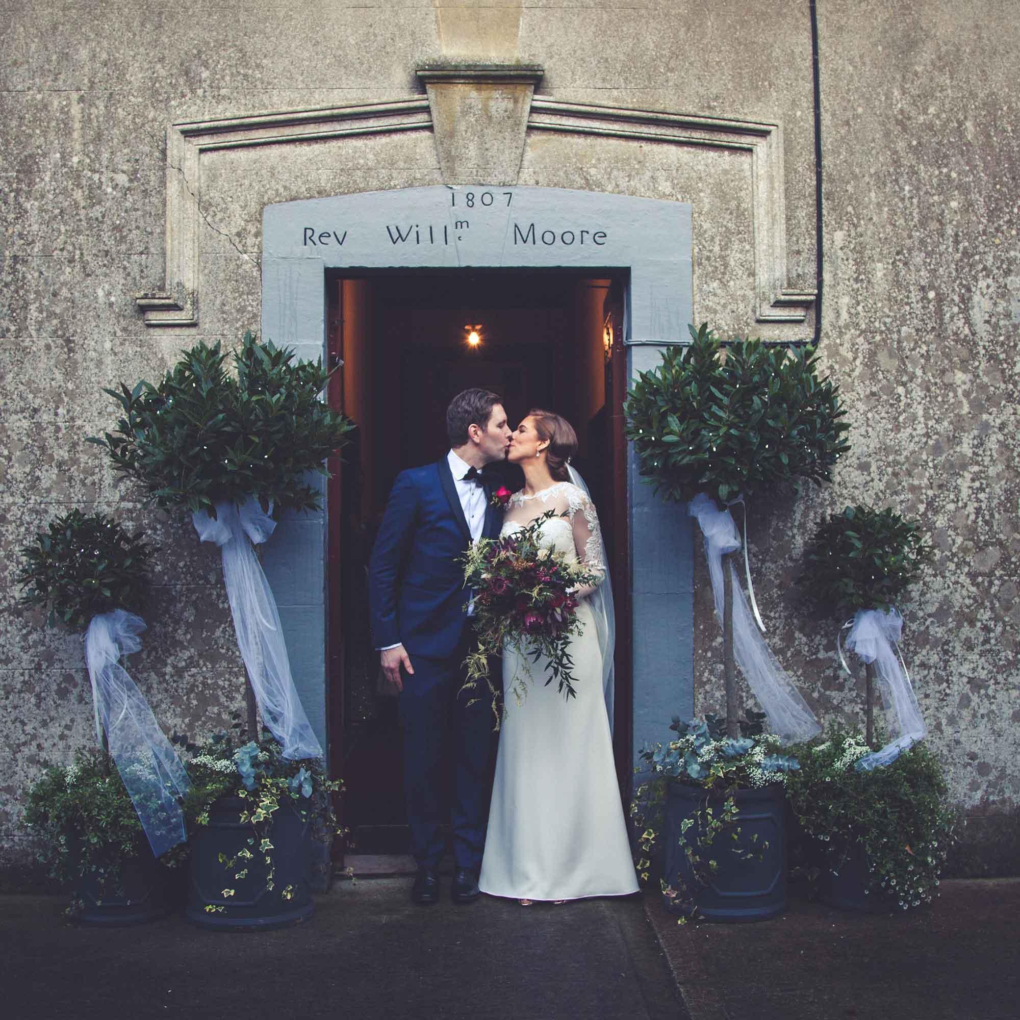 Simple Elegant Wedding Bouquets